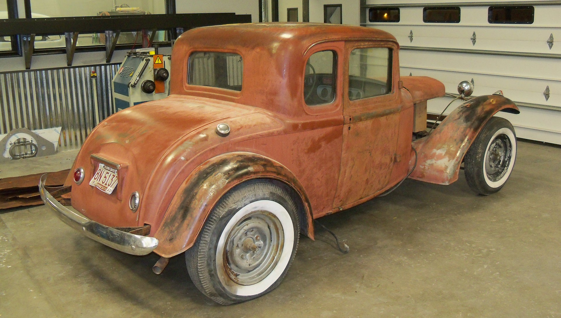 Pat & Marcia Thomas - \'32 Ford Coupe 5 Window :: Kenny\'s Rod Shop ...